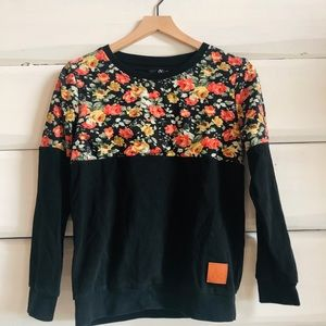 Ampersand floral block crew sweater